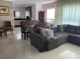 Apartamento Mobiliado 3 Dormitórios e 2 Vagas - Para locação anual