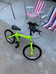 Bicicleta aro 14 com rodinhas