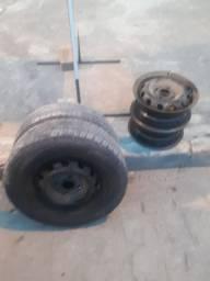 4 rodas e dois pneus meia vida.