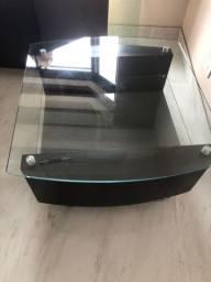 Mesa de centro em MDF com dois vidros