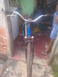 Vendo uma bicicleta usada