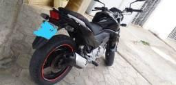 Linda CB300 R preta 2014, estado de nova, moto de procedência