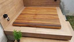 Cobertura de piscina em Deck