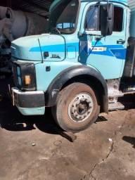 Caminhão Mercedes 1114