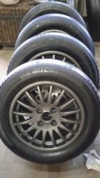 Jogo de Rodas Com pneus  na promoção !!!