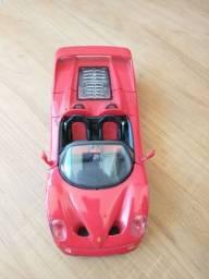 Miniatura Ferrari F50 Shell escala 1:18 Maisto