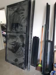 Portas de vidros com esquadrias - fumê