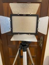 Iluminador de LED Yongnuo YN600L II  c/ Tripé