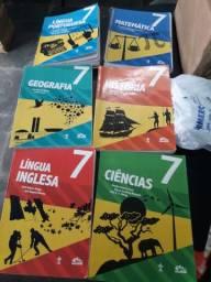 Livros 7° ano da Escola Adventista