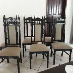 Cadeiras estilo colonial