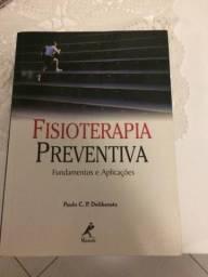 Quatro livros da área de saúde