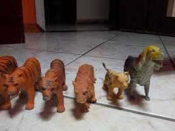 Lote de animais de miniatura