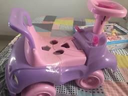 Motoca com brinquedo
