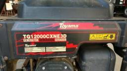 Gerador Toyama 13 kva trifásico gasolina semi-novo