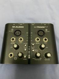 Placa M-Audio - M-Track Plus (SEM CABO USB)