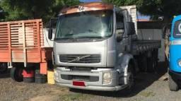 Volvo VM-260 Truck/ Ano 2008/ Pneus novos/ Carroceria de madeira - 2009