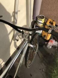 Bicicleta cromada rolamentada