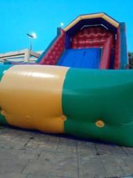 Vendo tobogã inflável grande