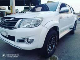Toyota Hilux SRV Top  2014 Completo Financia