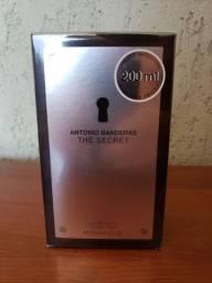 The Secret - Antonio Banderas