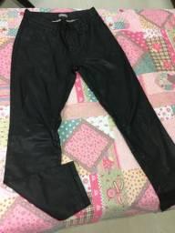 Calça de couro preta tam 40 adulto