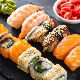 Auxiliar sushi e sushiman