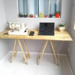 Mesa de estudo de pinus
