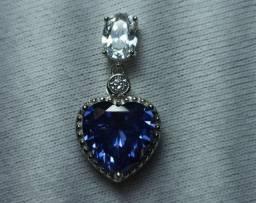 Pingente Coração em prata de Lei 925 pedra Zircônia