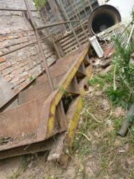 Vendo Escada de Ferro Reforçada