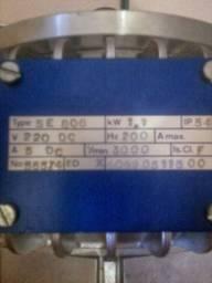 Vendo motor elétrico de 220 v DC 1100w