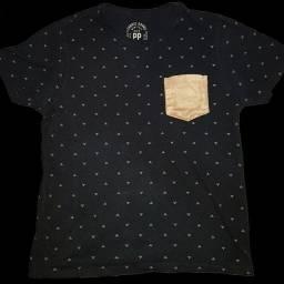 Camiseta preta estampada PP