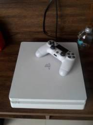 Vendo Playstation 4 branco, pouco usado, em ótimas condições, com 57 jogos