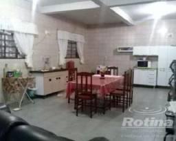 Casa à venda, 6 quartos, 3 suítes, 5 vagas, Tibery - Uberlândia/MG