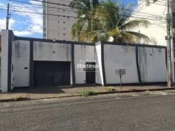 Casa para aluguel, 6 quartos, 2 suítes, 6 vagas, Osvaldo Rezende - Uberlândia/MG
