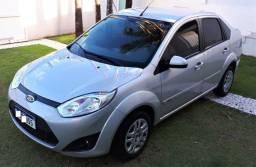 Ford Fiesta Sedan 2014 Prata Motor Rocam Completo Top de Linha 63 mil Kms Unico dono