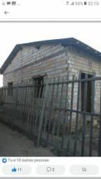 Vendo casa no jua medindo 9x30 casa medindo 6 meio de largura 8 meio de comprimento