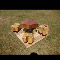 Mesas em tronco de árvore decorativa artesanal