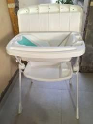 Banheira de Bebê - com suporte e trocador