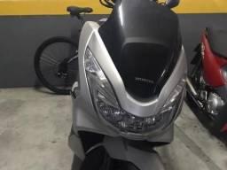 Honda PCX - 18/18 - Ótima oportunidade !