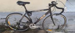 Bicicleta Caloi 10 + velocímetro + suporte de transporte