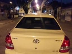 Toyota etios 2017 só carro