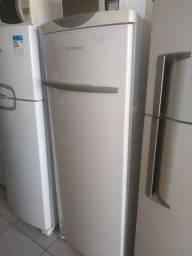 Freezer E geladeira vertical muito novo