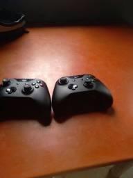 Dois controle do xbox