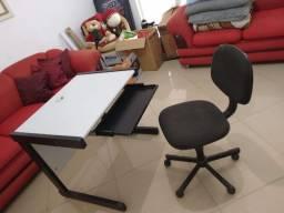 Mesa e cadeira so 220 reais