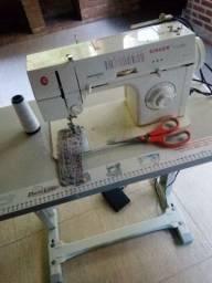 Máquina de costura bom estado