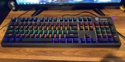 Teclado mecânico RGB