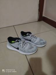 Tênis Nike Running 40