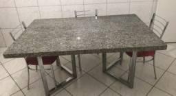 Mesa de jantar de mármore