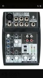 Mixer Behringer Xenyx 502 (380,00 reais)