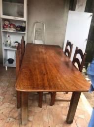 Vendo essa mesa com 4 cadeiras.